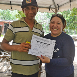 Recognition of leatherback patrol team members, end of season workshop - Photo by Alam Ramirez, FFI